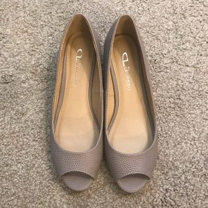 Nude peep toe shoes